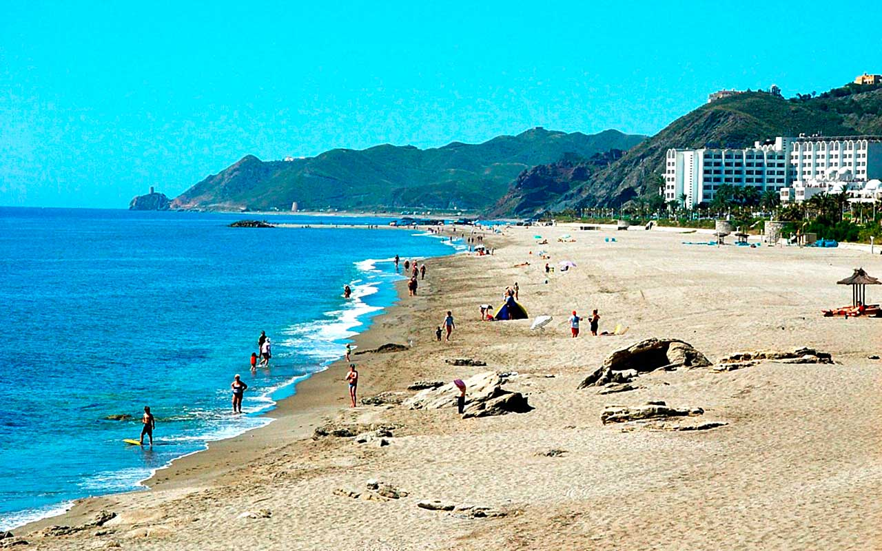 Genießen Sie am Strand in der Küstenmeria während long stay Spanien | Sunbirdie