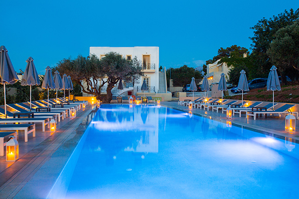 Sundance Schwimmbad bei Long stay Kreta | Sunbirdie