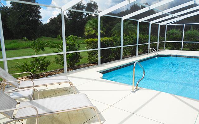 Schwimmbad während Inverness Long Stay Florida | Sunbirdie