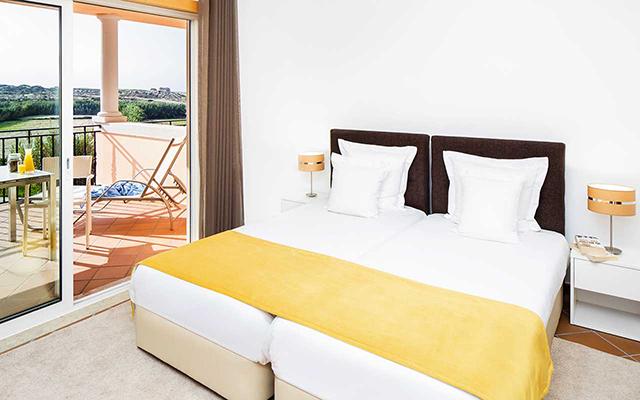 Komfortables Schlafzimmer während Longstay Portugal | Sunbirdie