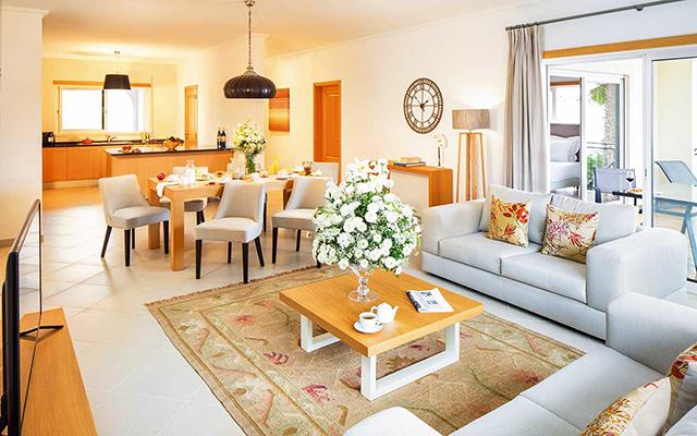 Geräumiges Wohnzimmer mit küche während long stay Portugal | Sunbirdie