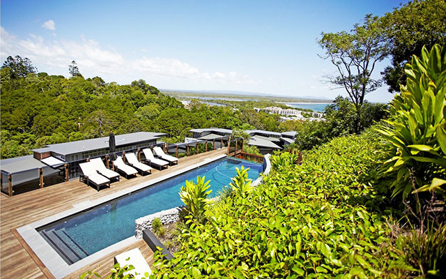Peppers Noosa Bay Resort Blick auf den Pool während Long stay Australien | Sunbirdie