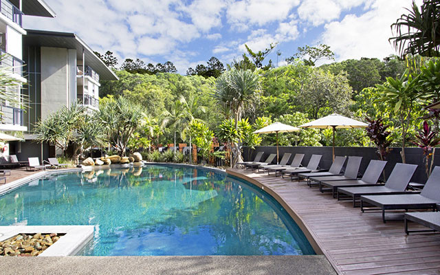 Peppers Noosa Resort Villa mit Swimmingpool während long stay | Sunbirdie
