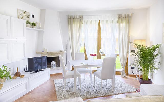 Wohnzimmer bei Terre dei Consoli während Long Stay Italien | Sunbirdie