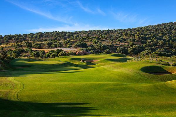 Üppiger grüner Golfplatz während long stay golf | Sunbirdie