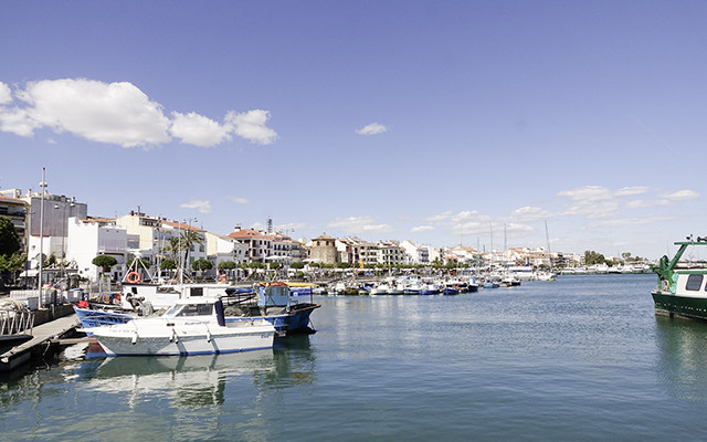 Boote in Long stay Spanien Costa Dorada Cambrils | Sunbirdie