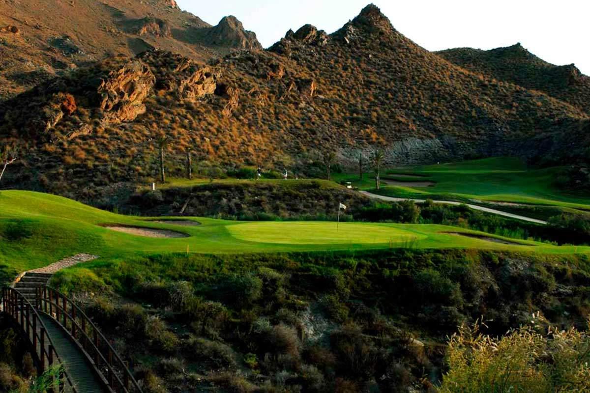 Hill side Golfplatz während Longstay Spanien | Sunbirdie