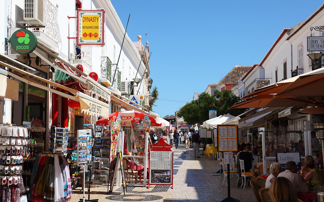 Viel Spaß beim Einkaufen während des längeren Aufenthalts in Portugal, Lagos | Sunbirdie