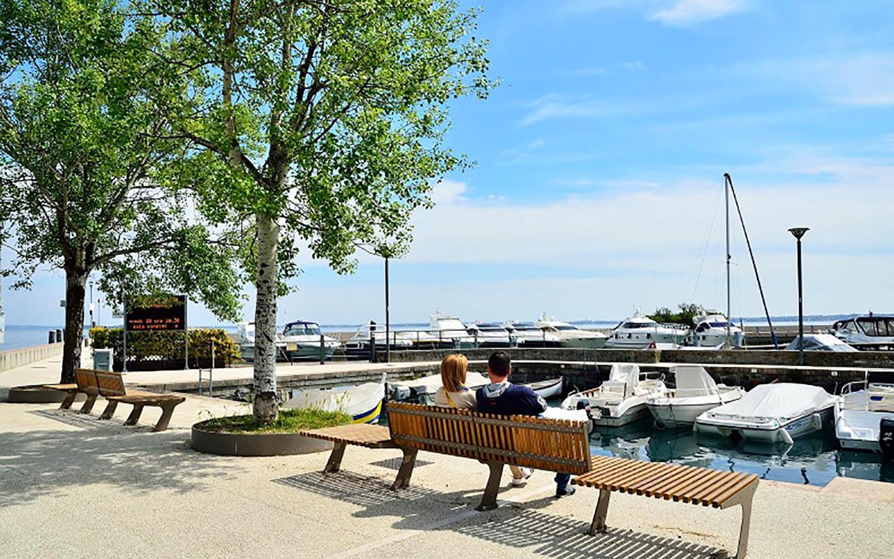 Genießen Sie am Küstenhafen während Long stay Italien - Sunbirdie