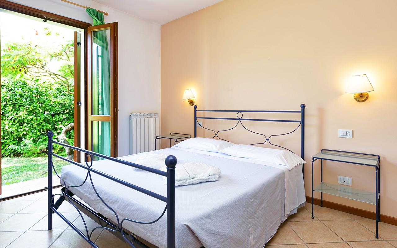 Longstay Italien im Paradiso Village mit luxuriösem Schlafzimmer | Sunbirdie