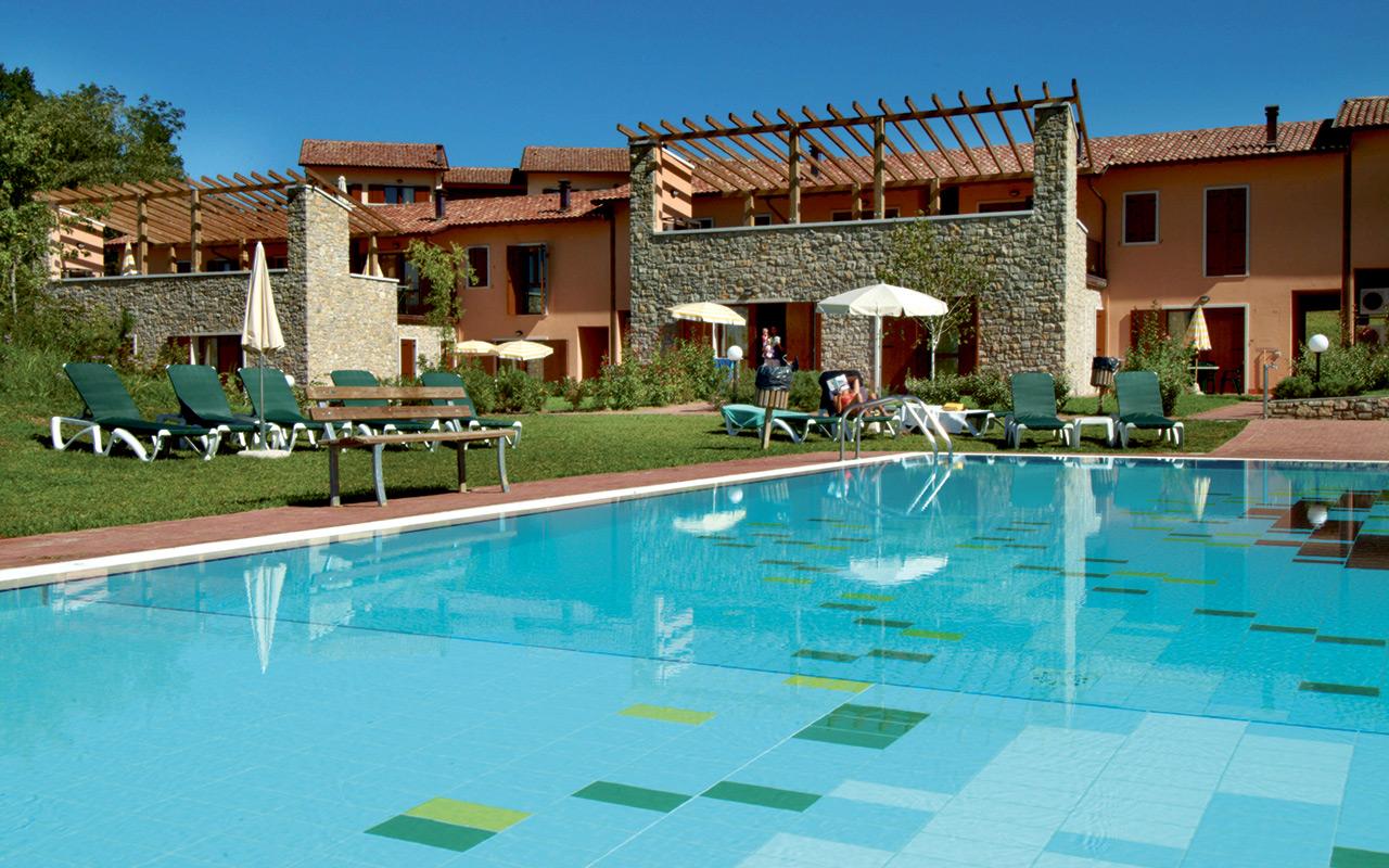 Longstay Italien im Paradiso Golf Village mit Poolview | Sunbirdie