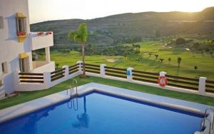 Golfreisen Spanien mit Apartments am Pool in der Costa del Sol - Sunbirdie