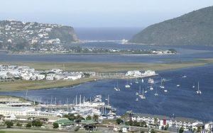 Genießen Sie die schöne Aussicht im Knysnaviews Guest House und Golfreisen nach Südafrika