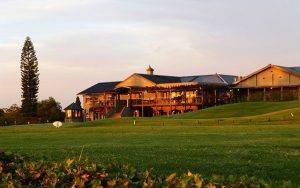 Genießen Sie bei Golfreisen nach Südafrika mit Sunbridie die schöne Aussicht auf langebaan
